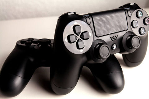 PS → PS2 すげえ! PS2 → PS3 うおおおお! PS3 → PS4 あ、うん ←これ