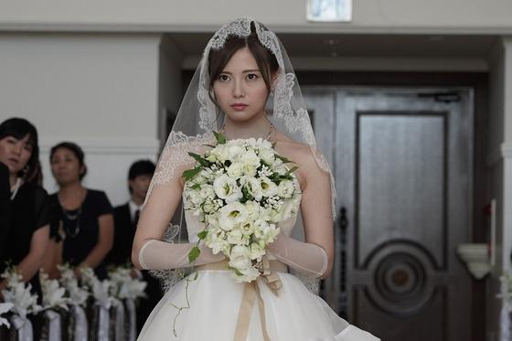 白石麻衣さん、ウェディングドレス姿での熱演に歓喜の声「世界遺産ですか?人間国宝ですか?」