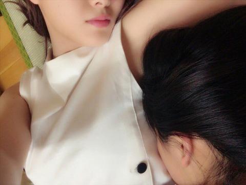 【乃木坂46】大園桃子が白石麻衣の胸で寝る!「桃子そこ代われ」