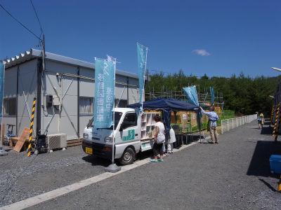 2011年7月17日① 滝の里工業団地仮設住宅での移動図書館 (5)