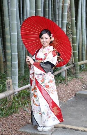 鎌倉成人振袖、前撮り、ロケーション撮影、英勝寺、竹林、和傘、