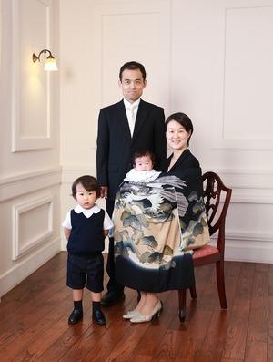 鶴岡八幡宮お宮参り家族写真