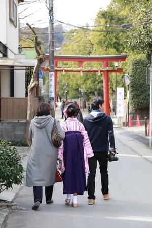 鎌倉小学生卒業袴通学路撮影