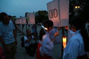 八幡宮ぼんぼり祭1