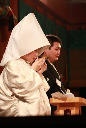 鶴岡八幡宮幸あかり結婚式写真白無垢綿帽子