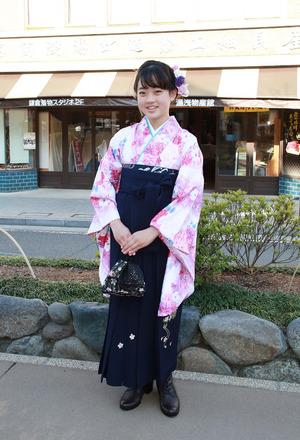 鎌倉小学生卒業袴 花柄小袖紺袴
