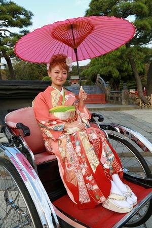 鎌倉成人式振袖人力車写真1