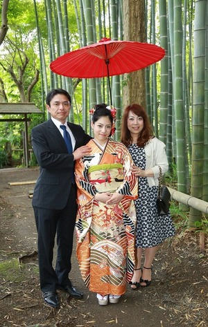 鎌倉成人振袖ロケーション撮影家族写真 (1)