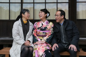 鎌倉振袖屋外ロケーション写真英勝寺家族