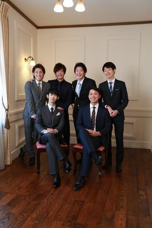 鎌倉成人スーツ写真友達