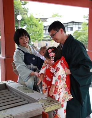 鶴岡八幡宮七五三詣り着物レンタル写真