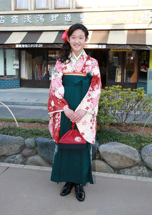 鎌倉小学生卒業袴 花柄グリーン色