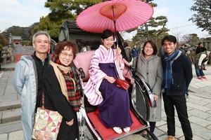 鶴岡八幡宮使用学生卒業袴写真