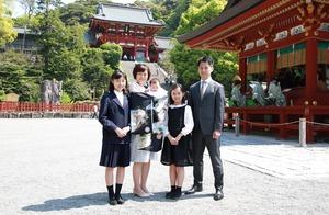 鶴岡八幡宮お宮参り出張家族写真
