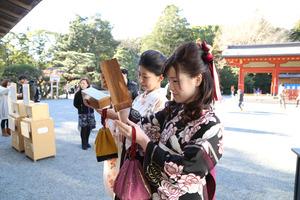 鶴岡八幡宮アンティーク袴写真 (2)