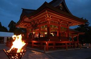 鶴岡八幡宮幸あかり結婚式舞殿写真