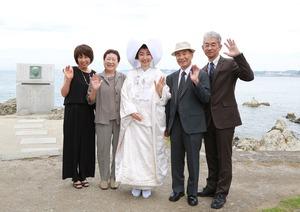 森戸大明神婚礼ロケーション家族写真