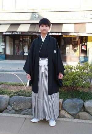 鎌倉小学生卒業袴 男児黒紋服