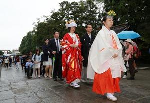 鶴岡八幡宮結婚式参進