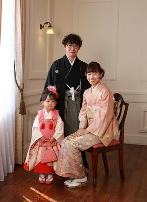 鎌倉鶴岡八幡宮七五三スタジオ家族写真
