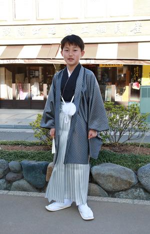 鎌倉小学生卒業袴 シルバーグレー紋服