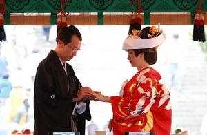 鶴岡八幡宮結婚式指輪交換
