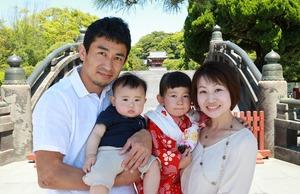 鶴岡八幡宮七五三家族写真