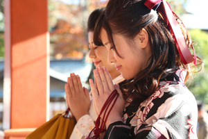 鶴岡八幡宮女袴