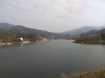 190301ダム湖1