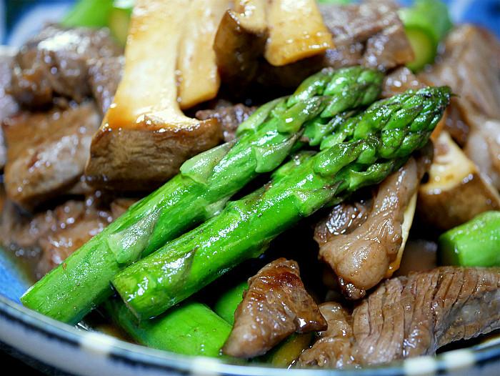 s牛肉とエリンギ、アスパラのピリッと炒め2