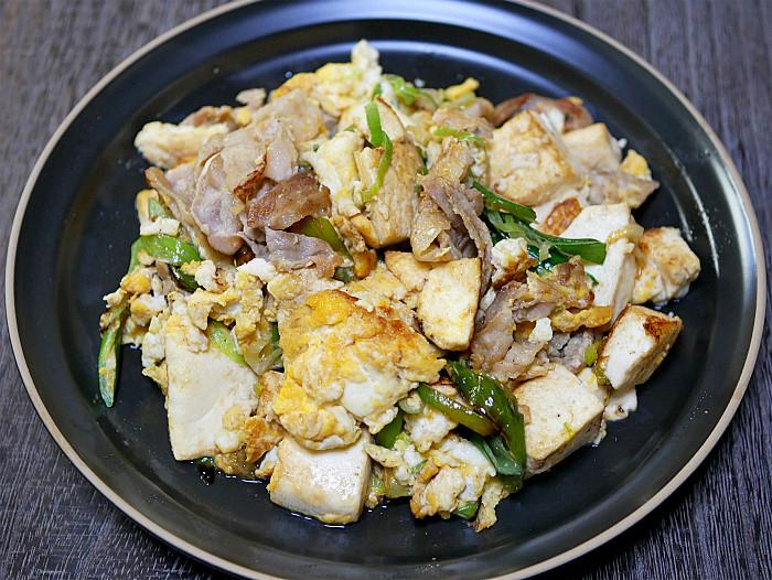 s豆腐と豚肉の塩ネギチャンプル(斜め上)