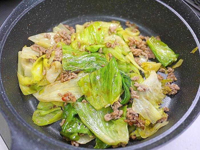 s-ひき肉とレタスのピリ辛炒め7