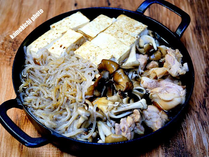 sスキレットで鶏肉のすき煮1