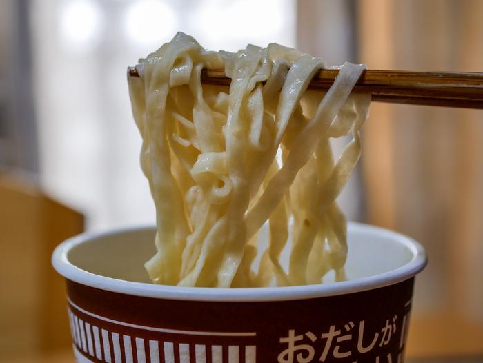 カップヌードル肉だしうどん6-2