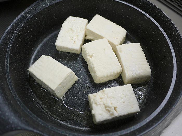sしっかりと焼いて「豆腐ステーキ」5