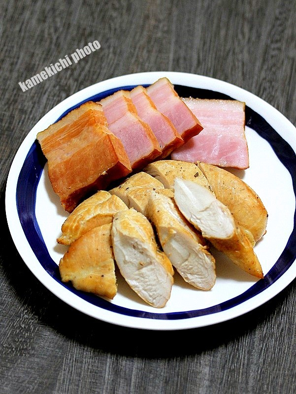 s-鶏ささみ肉とベーコンの燻製1