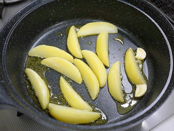 s-ポテトとウィンナーの炒め物6