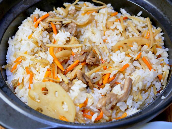 s鶏肉と根野菜の混ぜご飯2