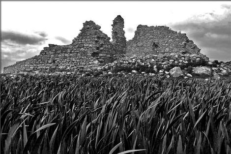 ruins-363350_1280