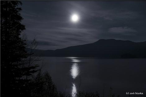 moon-198878_1280