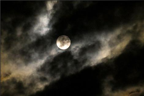 moon-973102_1280