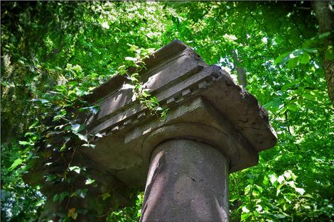 ruins-352789_1280