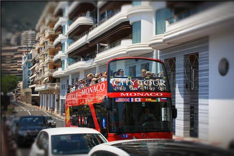 city-tour-1218382_1280