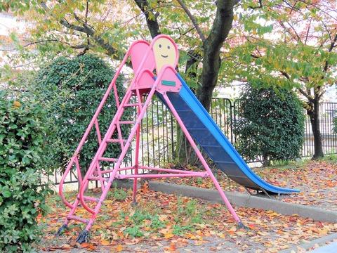 0902に冨田さん@神戸が見つけた滑り台を発見!