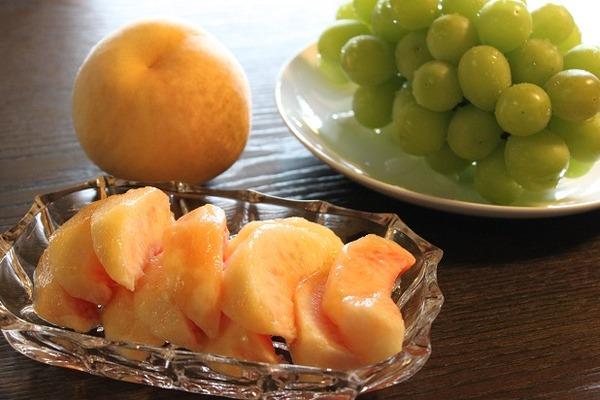 桃とマスカット