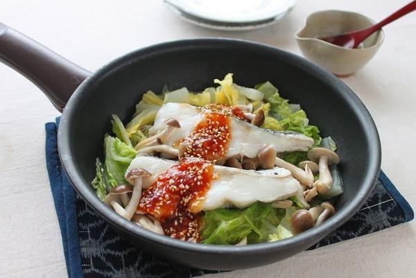 ブログタラと白菜のフライパン蒸し梅ごまだれ(横)