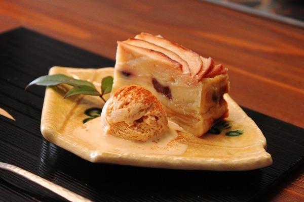 りんごのミルフィーユケーキ