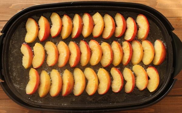 ホットプレートで焼きリンゴ4