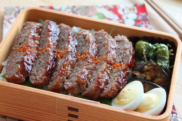 牛こま肉のビッグステーキ弁当