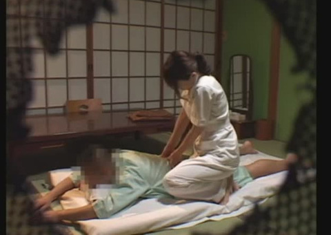 【人妻ナンパ/盗撮】温泉旅館で熟女の女性マッサージ師を呼んでナンパを始める一部始終がこれwwww